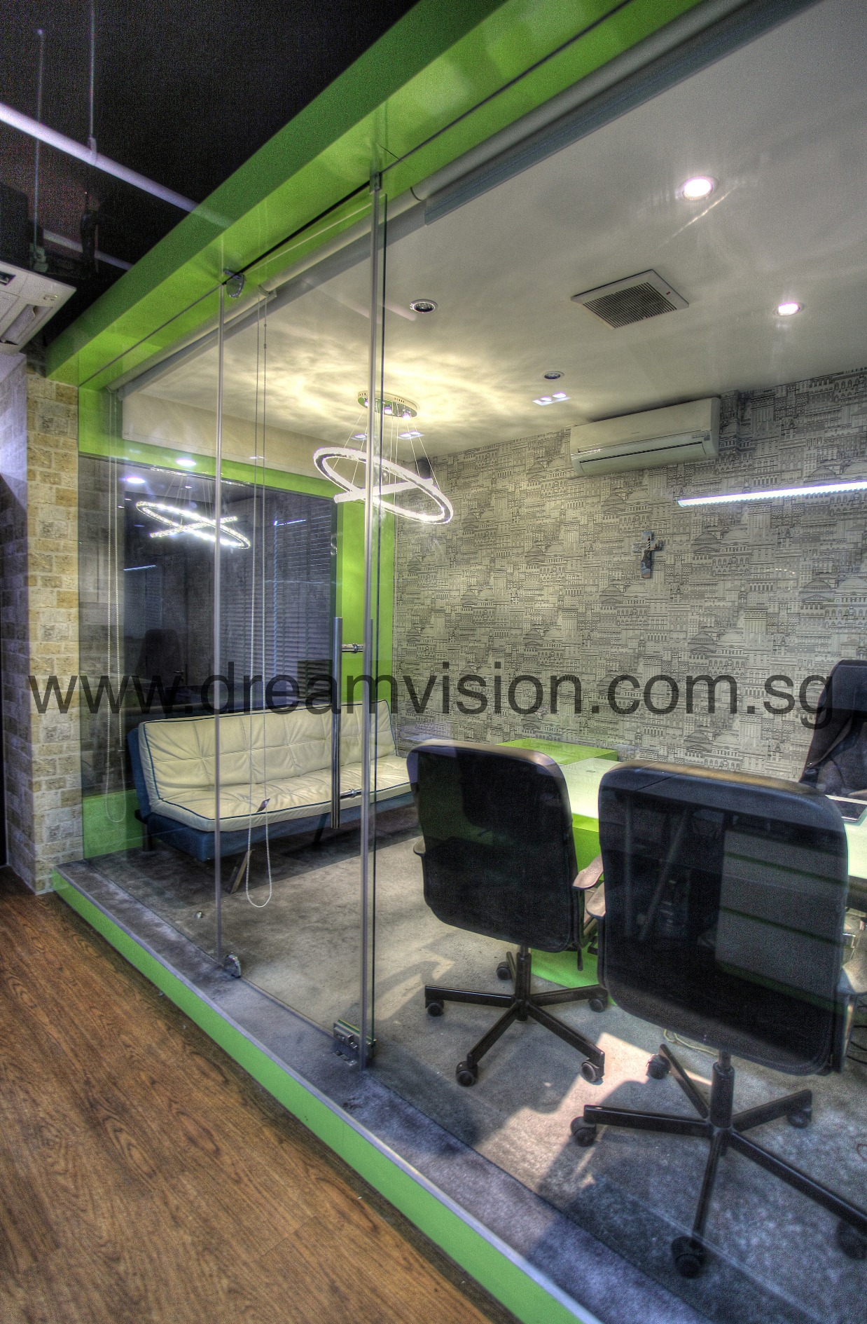DREAM VISION OFFICE